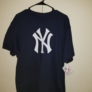New york yankees t shirt  New large